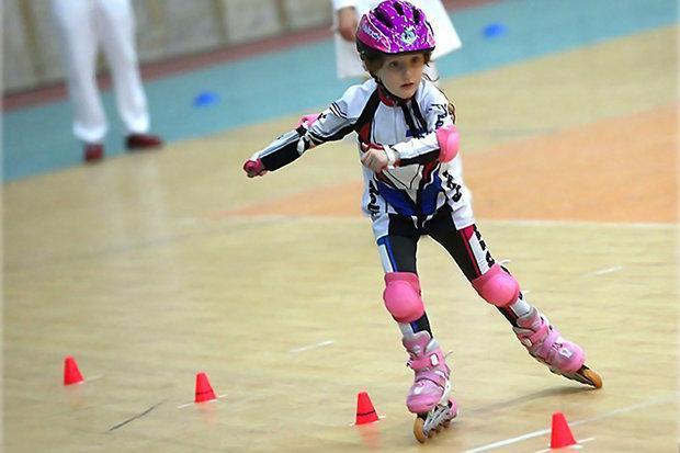 برگزاری رقابت های اسکیت سرعت غرب کشور در اراک