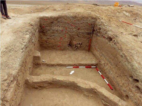 انجام گمانه زنی در تپه باستانی فرومد