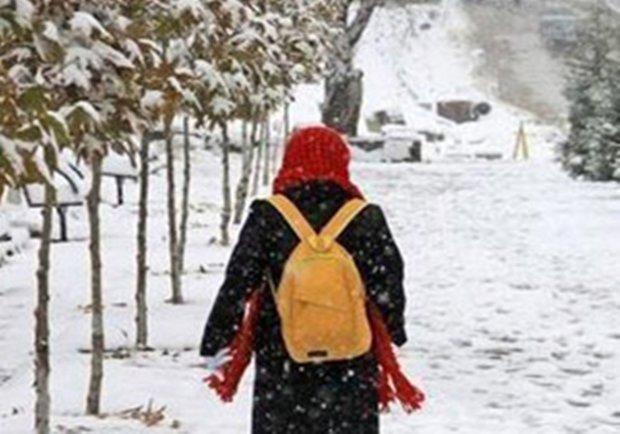 مدارس ابتدایی دیباج تعطیل شد، تأخیر فعالیت مدارس در کلاته رودبار