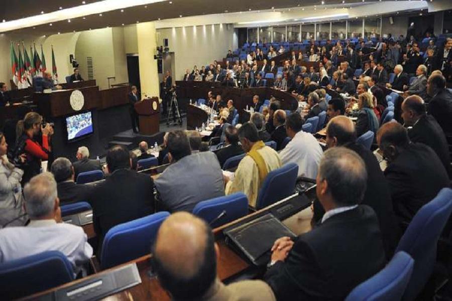 نمایندگان حزب کارگران مجلس الجزایر استعفا کردند