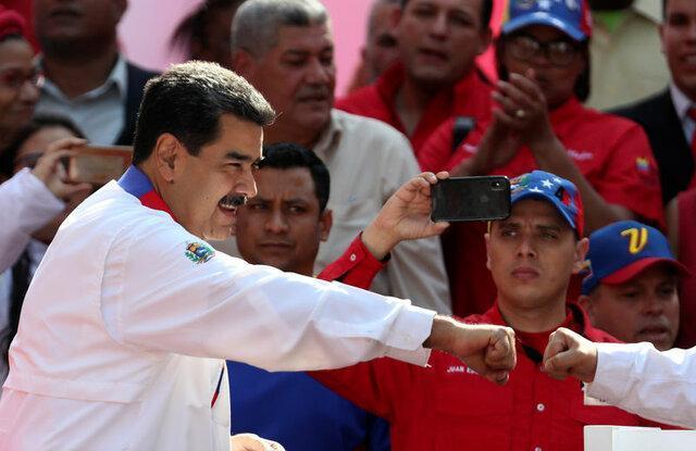 مادورو اپوزیسیون را به چالش کشید