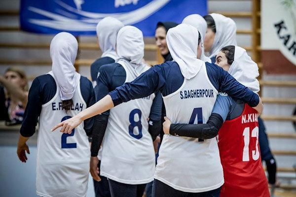 برنامه بازی های تیم والیبال بانوان ایران، جدال با قزاق در گام اول