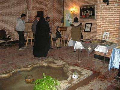 نمایشگاه صنایع دستی در بنای حمام شیخ سلماس برپا شده است