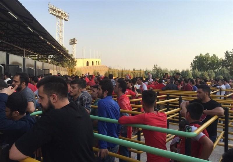 حاشیه دیدار پرسپولیس - پارس جنوبی، عصبانیت طرفداران پرسپولیس از سامانه فروش بلیت الکترونیکی