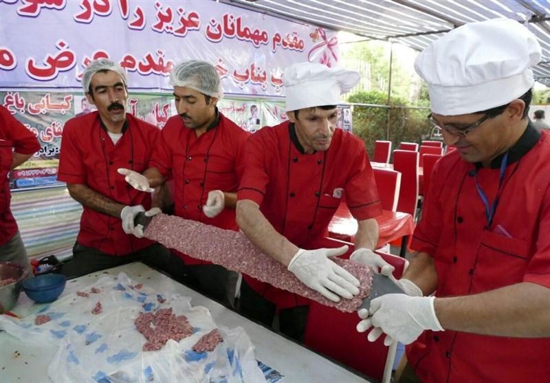 آذربایجان شرقی، استقبال گردشگران از طعم دلچسب کباب بناب