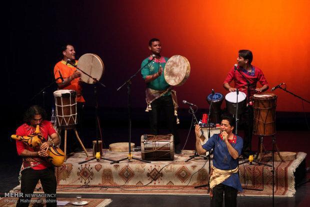 گروه موسیقى لیان ایران را ترک کرد