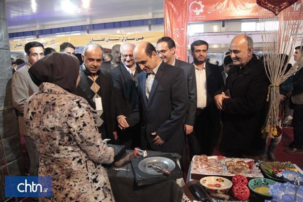 بازدید استاندار گلستان از نمایشگاه دستاورد های پژوهشی استان