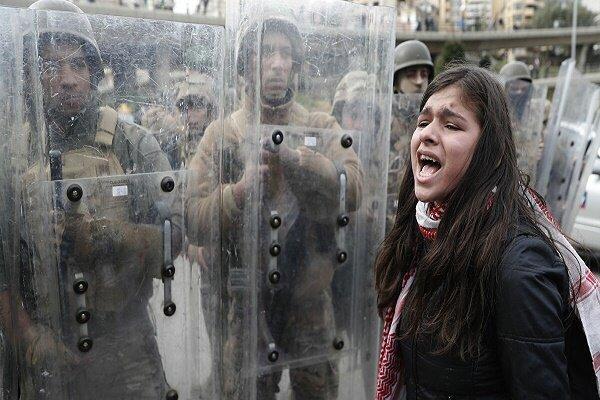 لبنانی ها در اعتراض به اوضاع معیشتی تظاهرات کردند
