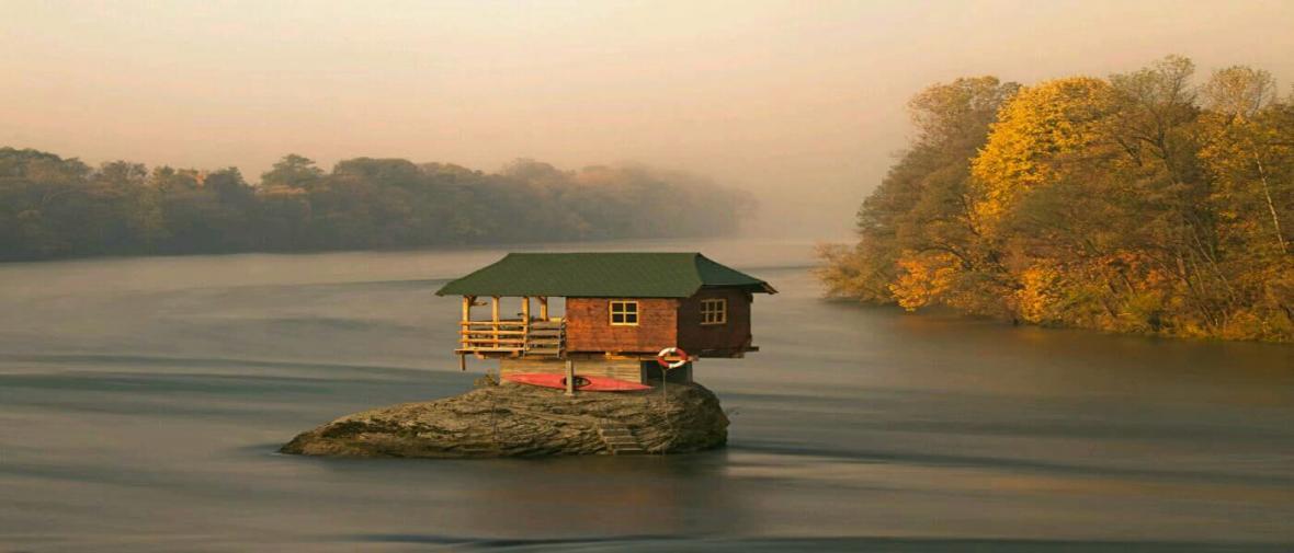 10 خانه ساخته شده در میان ناکجاآباد