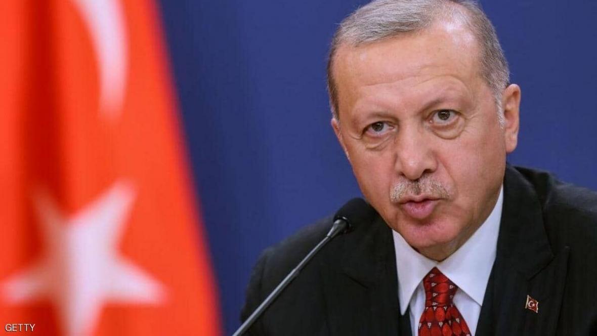 اردوغان: امیدوارم فرانسه به زودی از شر ماکرون خلاص گردد
