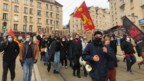 خبرنگاران تظاهرات صدها دانشجو در سراسر فرانسه