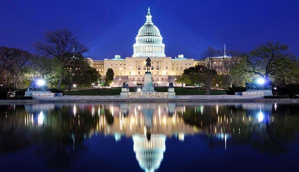 واشنگتن برای جلوگیری از سقوط مالی باید از جیب هزینه کند