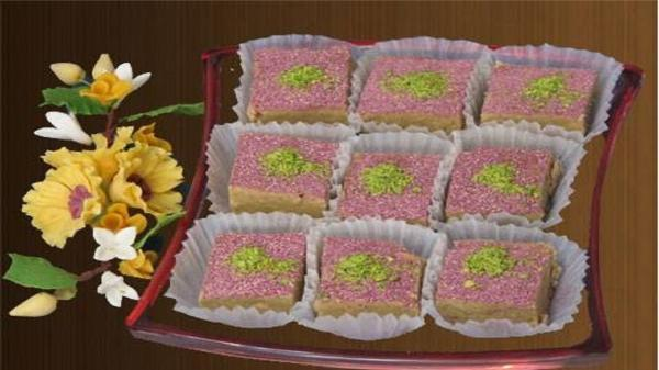 طرز تهیه حلوا گل محمدی (گل سرخ) با آرد سفید